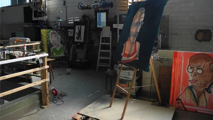 Insgesamt 27 Künstler präsentieren ihre Werke an der Ausstellung «Hold the line, please».