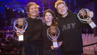 Die Max-Ophüls-Preisträger Elisabeth Wabitsch (links), Monja Art (Mitte) und Leonard Kunz (rechts).