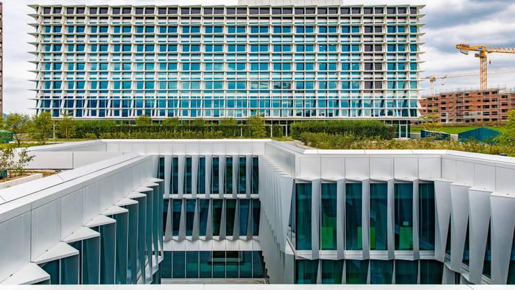 Nicht nur eine schöne Fassade: Martin Häusermann, CEO der Solothurner Spitäler AG, sieht im Neubau neben ästhetischen Qualitäten insbesondere Vorteile bei der Behandlung von Patientinnen und Patienten.
