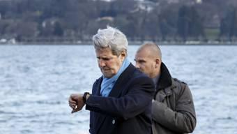 Die Zeit läuft: Kerry, links, bei einem Spaziergang am Genfersee