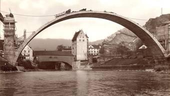 Der imposante Hauptbogen der Hochbrücke wurde 1925 erstellt. Der Kanton will sie für Autos sperren, der Stadtrat hingegen findet einen Ausbau prüfenswert