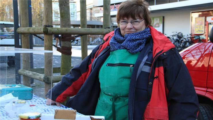 Bei diesen Temperaturen hat Christine Müller aus Wölflinswil stets ein Gasöfeli dabei.