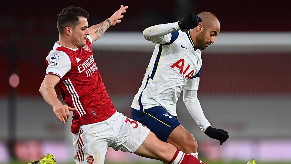 Granit Xhaka stürmt mit vollem Einsatz zum Derbysieg mit Arsenal.