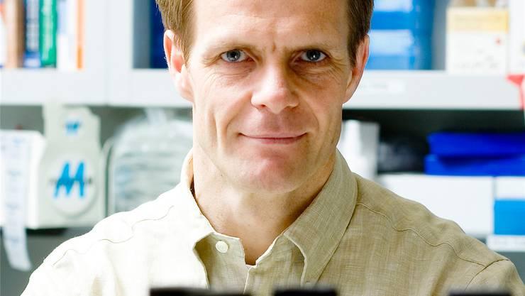Der Solothurner Lorenz Studer (46) erforscht die Parkinsonkrankheit.