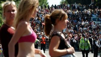 Bilder vom berüchtigten Notting Hill Carnival, der seit 1964 gefeiert wird (Archiv)