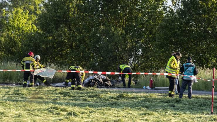 Beim Absturz eines Kleinflugzeugs ist der Pilot getötet worden.
