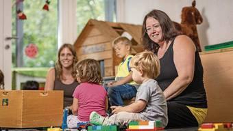 Im «Purzeli» legt Krippenleiterin Barbara Bürgin grossen Wert auf viel Zeit für das freie Spielen.