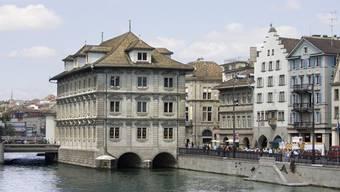 Per Ende 2019 gab es acht Kantonsrätinnen und Kantonsräte, die gleichzeitig in der kantonalen Verwaltung angestellt waren. Ihren Lohn gibt der Regierungsrat nicht bekannt.
