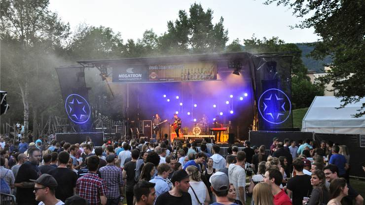 Festfreudige Aargauerinnen und Aargauer kommen an diesem Wochenende auf ihre Kosten: Zur Auswahl stehen das Wettiger Fäscht mit Konzerten unter freiem Himmel... Salomé Meier