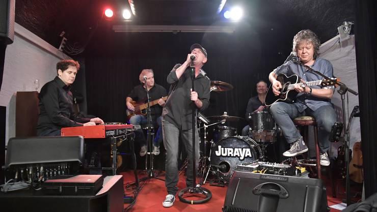 Die Band «Juraya» bot schnörkellosen, gepflegten Rock im Scat-Club.