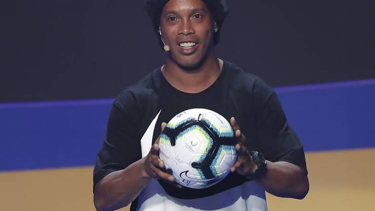 Ronaldinho fiel den paraguayischen Behörden mit einem speziellen Pass auf