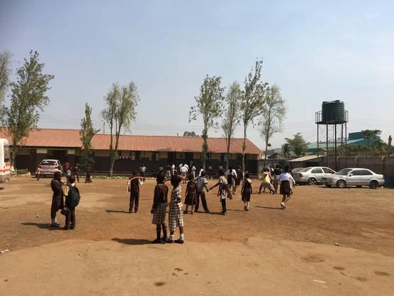 Der Pausenhof der Schule im Armenviertel.