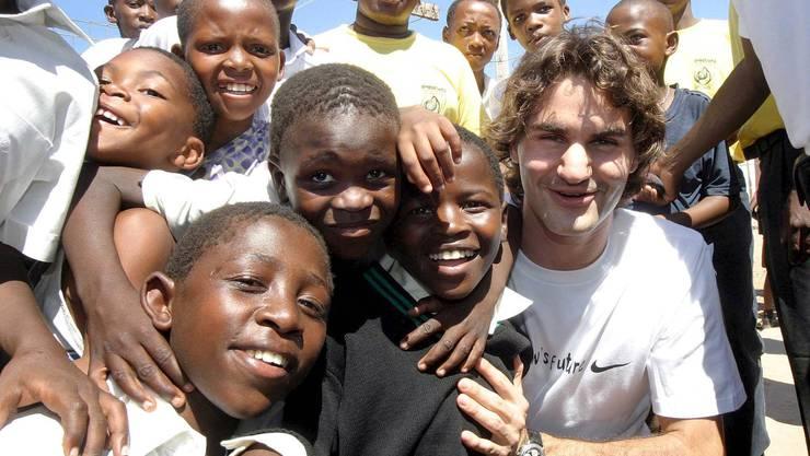 Roger Federer 2005 bei seinem Besuch in Port Elizabeth.