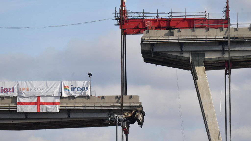 Der Brückeneinsturz im letzten August in Genau kommt den Infrastruktur-Investor Atlantia sehr teuer zu stehen. (Archivbild)