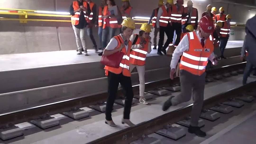 Ein Jahr vor Eröffnung: Bundesrätin Simonetta Sommaruga besucht den Ceneri-Tunnel