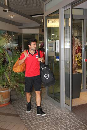 15.11 Uhr: Luca Radice trifft im Teamhotel in Freiburg ein.