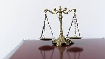 Vor dem Regionalgericht Bern-Mittelland muss sich ein 48-jähriger Mann wegen mehrerer Sittlichkeitsdelikte verantworten.