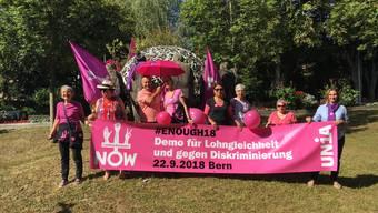 Unia-Aktivistinnen vor dem Grenchner Stadthaus.