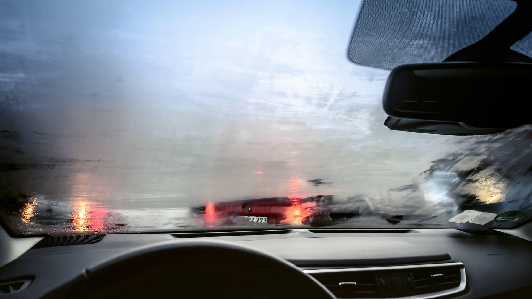 Nebel Autoscheibe beschlagen