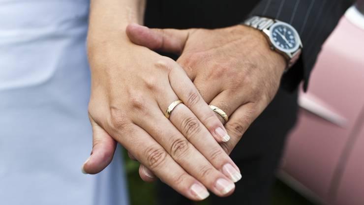 Währt nicht in allen Kantonen gleich lang: Die Ehe.