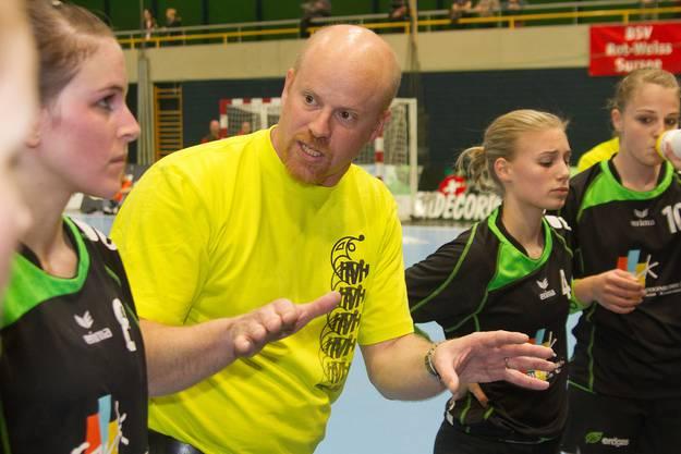 Trainer Jürg Lüthi beim Time-out