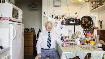 Ehemaliges Verdingkind: Der 86-jährige Charles Probst in seiner Berner Wohnung.