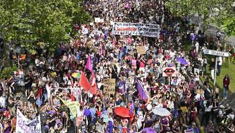 Der Ständerat hat sich vom Frauenstreik beeindrucken lassen: Gegen den Willen seiner Kommission sagte er Ja zu Geschlechterrichtwerten für Verwaltungsräte und Geschäftsleitungen. (Archivbild)