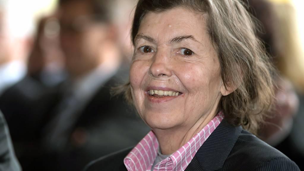 Isa Genzken, hier bei der Verleihung des Kaiserrings 2017 der Stadt Goslar, gilt seit Jahrzehnten als eine der einflussreichsten deutschen Künstlerinnen.