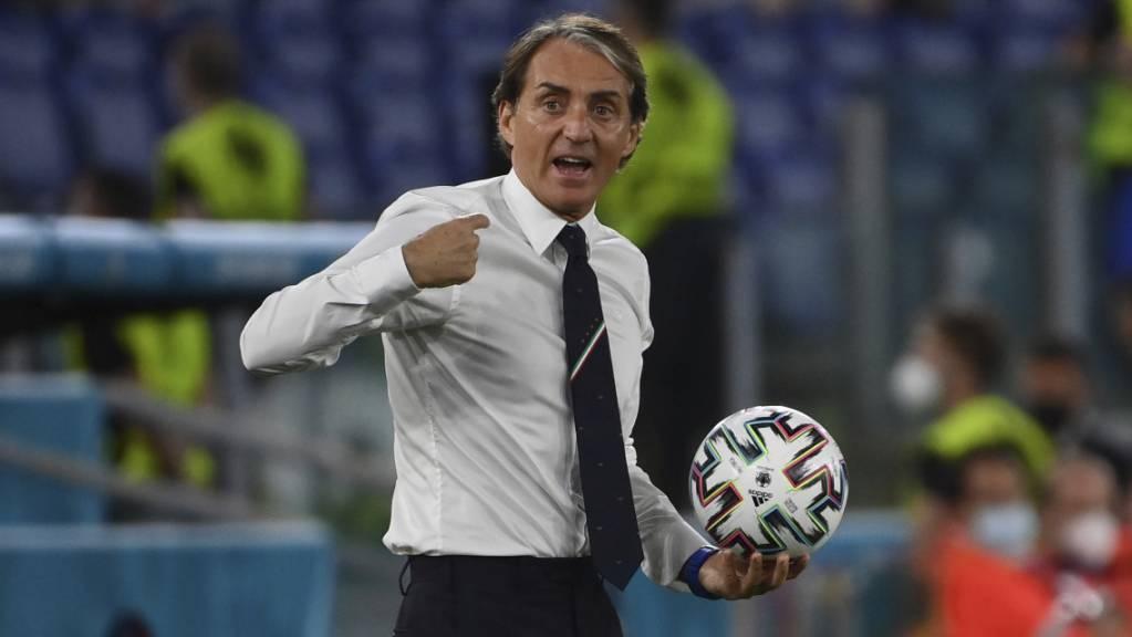 Italiens Nationalcoach Roberto Mancini wurde am Mittwoch von seinem Team gut unterhalten