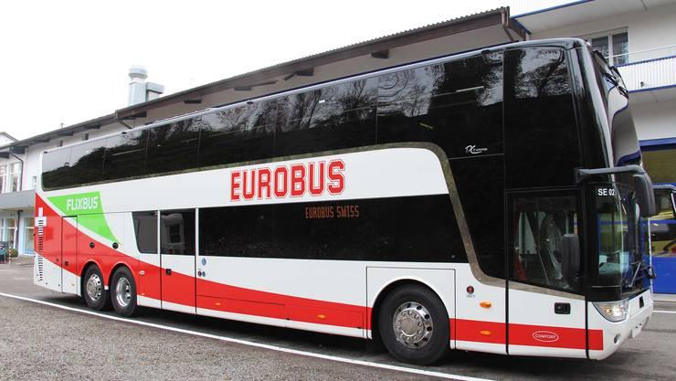 """Der Fernbusanbieter Eurobus stoppt sein innerschweizerisches Angebot namens """"Swiss-Express"""". Es geht um drei Linien in der Deutschschweiz, die von sechs Bussen betrieben werden. (Archivbild)"""