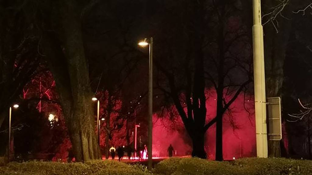 Polizeieinsatz wegen Pyro in St.Gallen: Verdächtige flüchten
