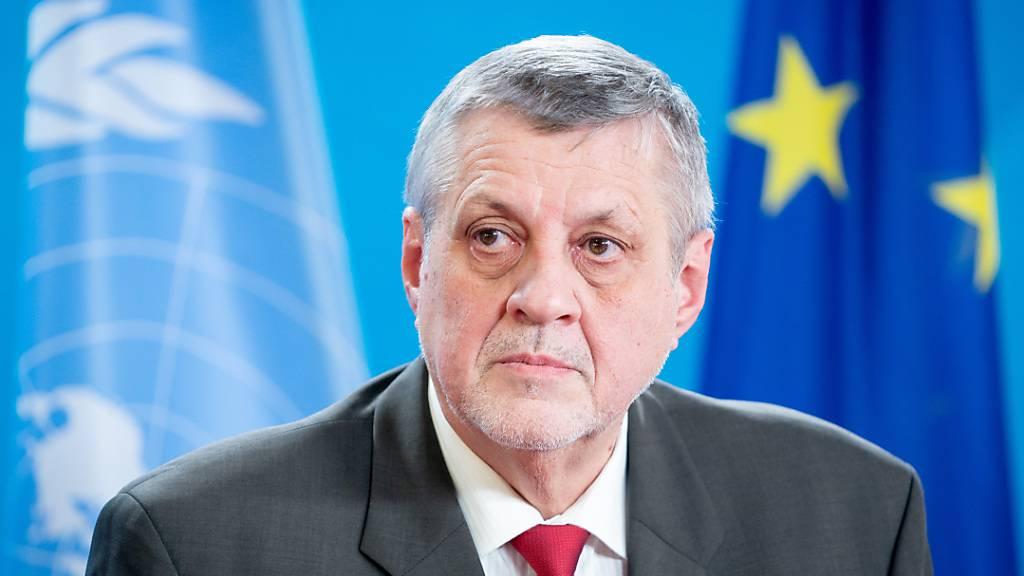 FILED - UN-Vermittler für Libyen Jan Kubis ist bei einer Pressekonferenz in Berlin. Photo: Kay Nietfeld/dpa-Pool/dpa