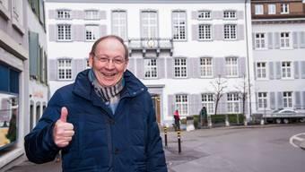 Vor dem Regierungsgebäude in Liestal zeigt sich Jean-Luc Nordmann optimistisch: Die Differenzen der Regierungen beider Basel beim Uni-Dossier würden teilweise überzeichnet, findet er.