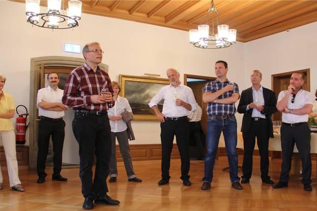 Im Brugger Rathaus: Vizeammann Heinz Wipfli aus Windisch fordert von Regierungsrat Stephan Attiger, das Verkehrsmanagement einzuführen.