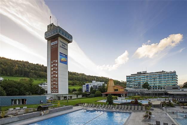 Der Turm von Bad Zurzach neben dem Thermalbad ist ein bekanntes Markenzeichen.