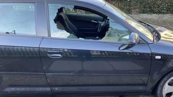 Die Kantonspolizei warnt vor Dieben, die abgestellte Autos aufbrechen. In den letzten Tagen gingen einige Meldungen aus Baden ein. Die Polizei mahnt zu Vorsicht und ruft die wichtigsten Verhaltensregeln in Erinnerung.