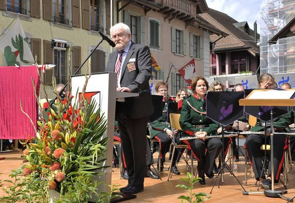 Viele Redner beglückwünschen die Stadtmusik Büren a.A.