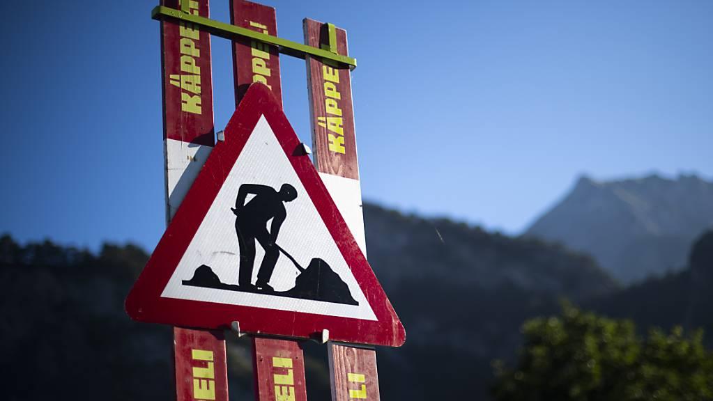 Der Kanton Graubünden hat laut der Parlamentarischen Untersuchungskommission sehr spät, dann aber sehr effektiv auf Informationen über Bündner Baukartelle reagiert. (Symbolbidl)