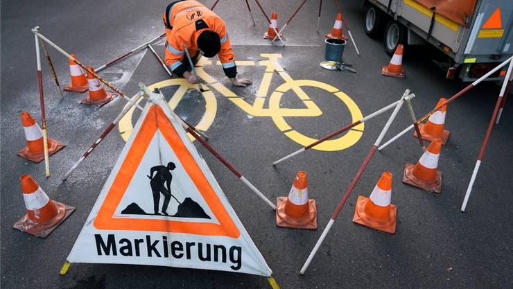 Beim Bau von neunen Velowegen – wie hier an der Scheuchzerstrasse in Zürich – soll der Bund helfen.