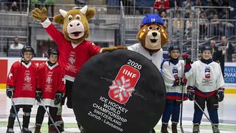 Das Schweizer Maskottchen Cooly (winkend) ist auch an der Heim-WM in Zürich und Lausanne wieder mit von der Partie