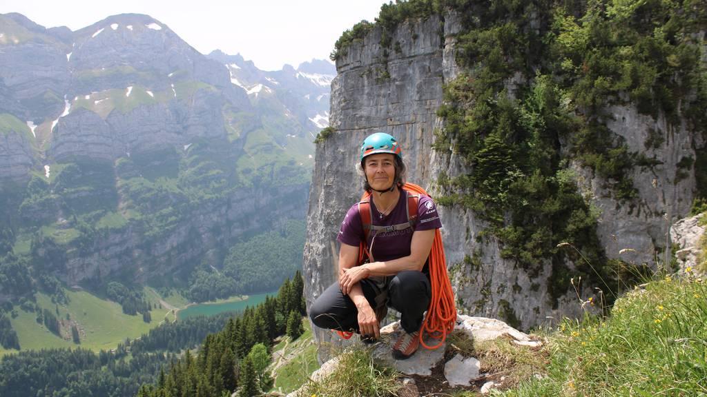 An einem Seil mit der obersten Schweizer Bergführerin