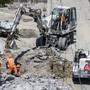 Der Baukonzern Implenia schränkt den Baustellenbetrieb in mehreren Ländern ein. (Archivbid)