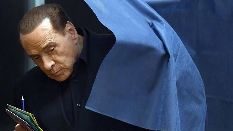 Der frühere Regierungschef Italiens Silvio Berlusconi hat seine Stimme abgegeben.
