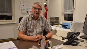 Gemeindepräsident Stefan Schneider in seinem Büro auf der Verwaltung der Einwohnergemeinde Welschenrohr.