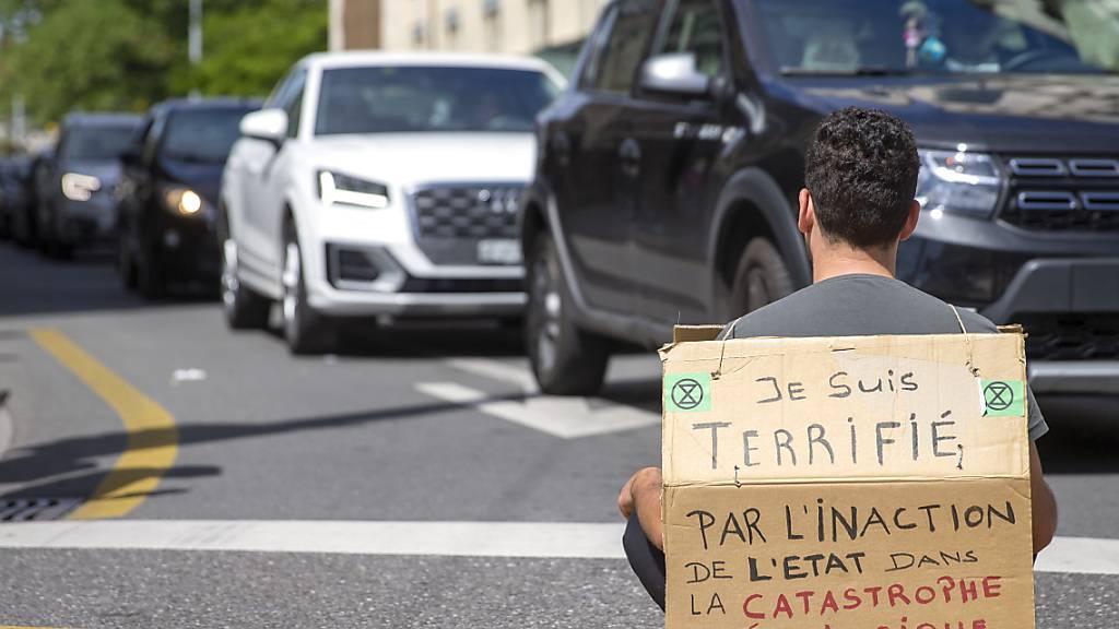 Aktivisten von Extinction Rebellion versuchen mit symbolischen Aktionen auf die Klimaerwärmung aufmerksam zu machen. (Archivbild)