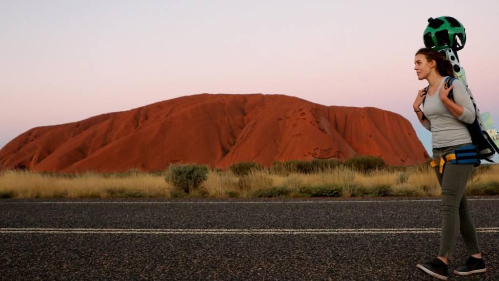 Uluru, der Heilige Berg Australiens: Bald darf er nicht mehr bestiegen werden und gehört wieder ganz den Ureinwohnern des Kontinents. (Archivbild)