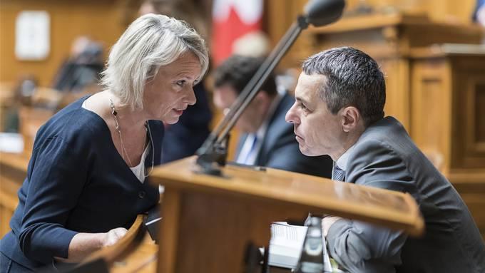 Sind sich einig: CVP-Nationalrätin Elisabeth Schneider-Schneiter im Gespräch mit Aussenminister Ignazio Cassis (FDP).