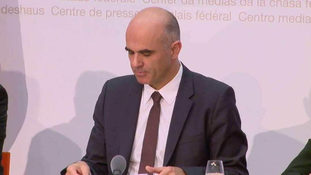Bundesrat Alain Berset präsentiert die Rentenreform - Bericht von der Medienkonferenz.