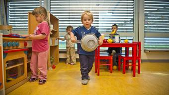Den Kindern ist Wurst, wer was bezahlt; Hauptsache ist, die Zeit in der Kita macht Spass.