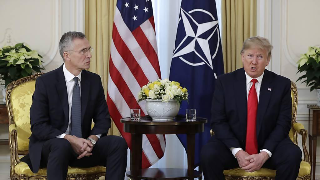 Macron bekräftigt Kritik an der Nato und kritisiert die Türkei